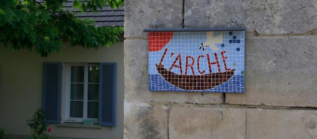 Plaque du foyer de L'Arche